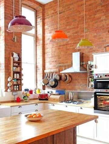 modelos-de-pendentes-coloridos-para-cozinha