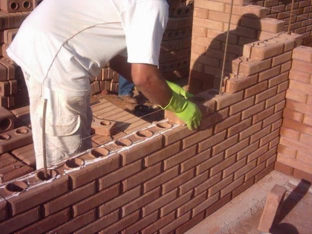 Tijolos-ecológicos-para-construção.jpg