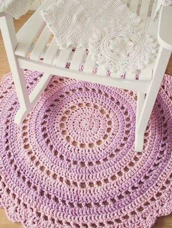 decoracao-decor-cadeira-de-balanco-e-tapete-em-croche-revistavd-62355-square_cover_xlarge
